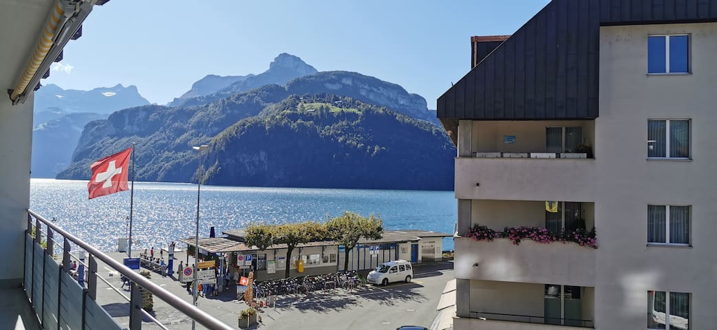 37 Min. von Luzern - Apartment am See in Brunnen