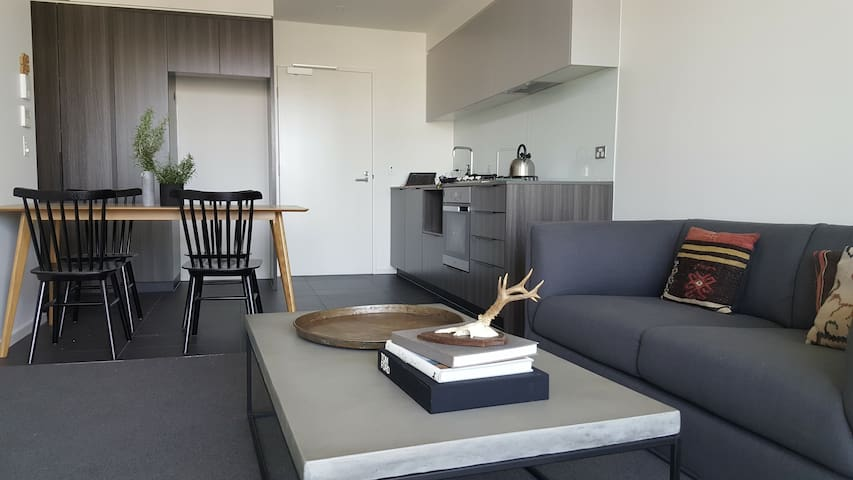 Private Room 2 beds stylish Contemporary Apartment - Docklands - Flat