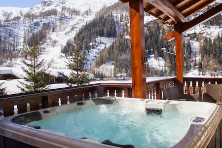 Chalet - 7 Rooms - Jacuzzi - Mountain Views