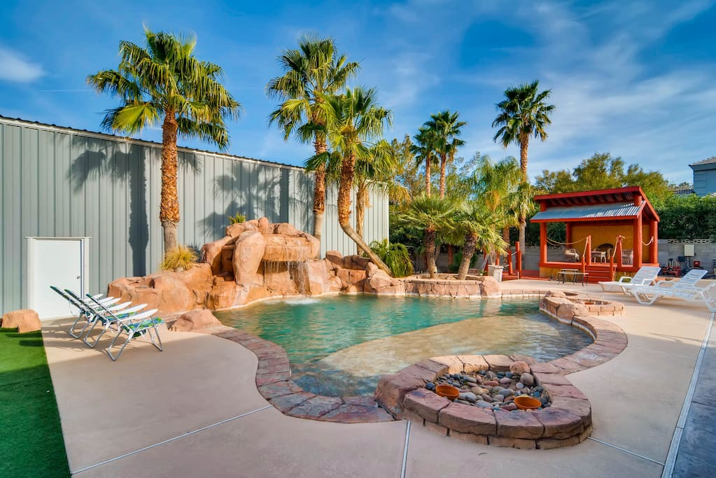 Fantastic 5 bedroom dream home w pool spa houses for for Las vegas dream homes