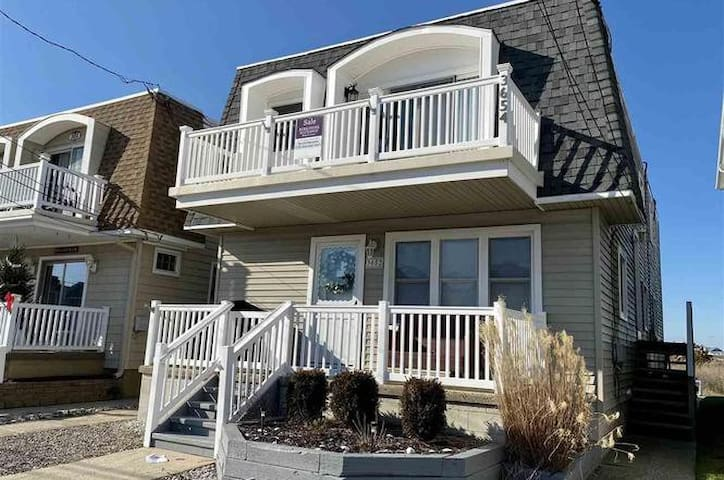 ⛱2nd Floor OCNJ Condo - short walk to the beach!