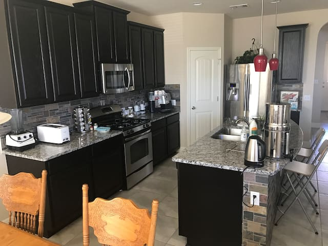 Hilltop Retreat 20 minutes from downtown Austin - Austin - House