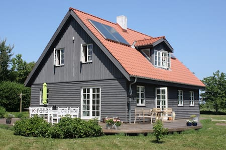 Wooden house on beautiful Helnæs - Ebberup - Rumah