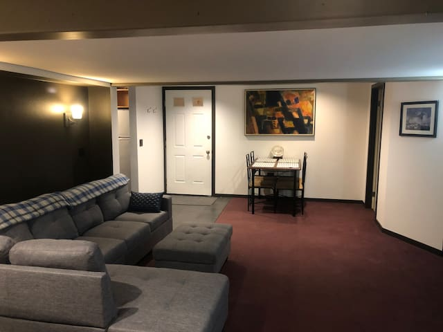 Sanitized Ski Haus Downtown 2 bedroom