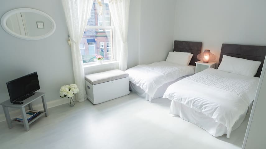Lovely Sunny Twin Room, with breakfast - Edimburgo - Apartamento