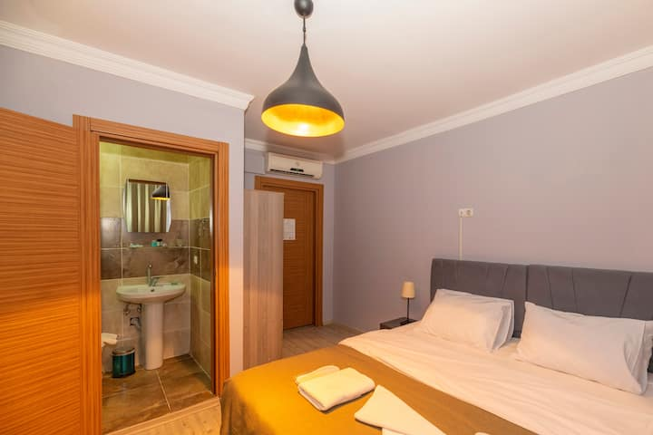 clean and quiet room in taksim