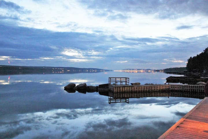 LAKESIDE Villa in Östersund with 2 guesthouses
