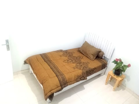 B Single Room at Homey Rumah Sakok
