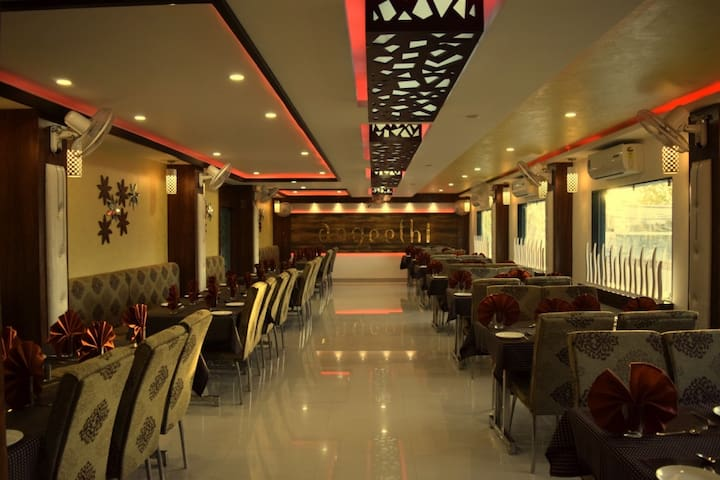 Ashoka Residency Hotel : Padmini Mahal Suit
