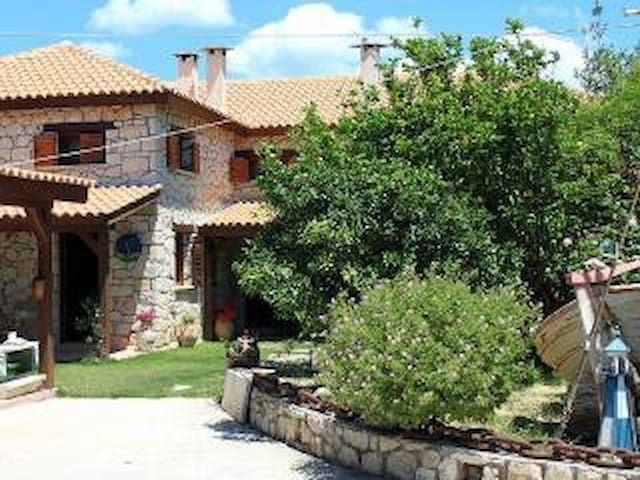 3d Stone Villa near the Beach! - Agios Sostis - Villa