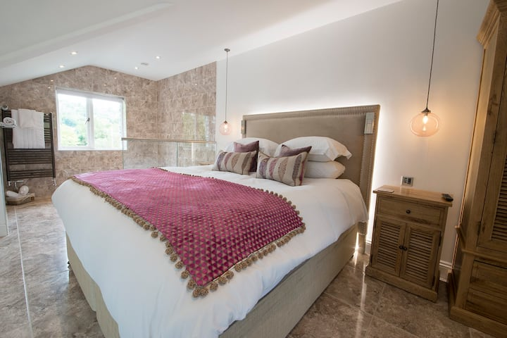 Hawkshead Suites 5* Luxury Boutique Accommodation