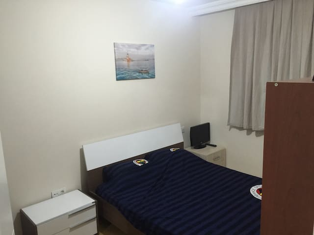 1 room with double bed near airport - İstanbul - Flat