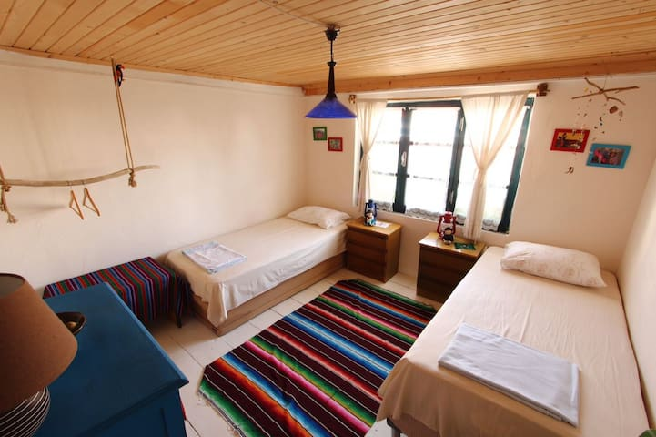 Twin room in the center - Bozcaada - Ev