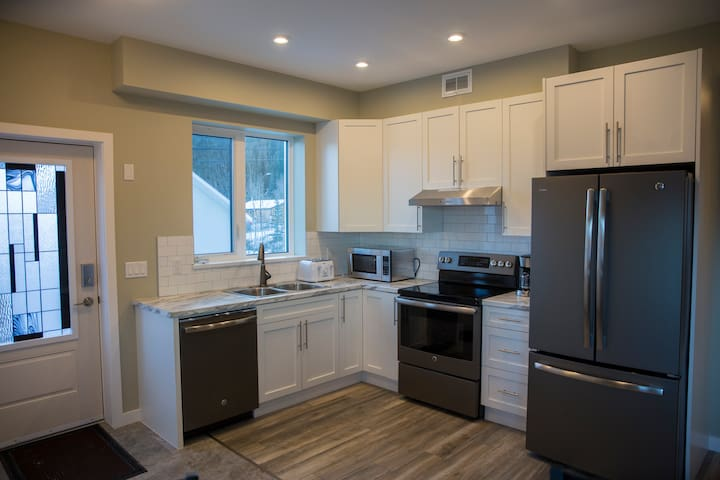 Downtown Whitehorse 2 bedrooms Vacation Rental