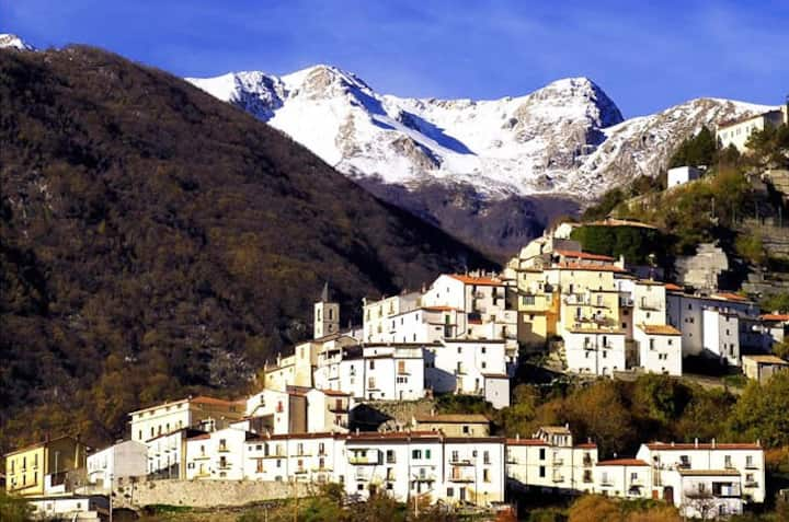 Abruzzo Mountain Retreat