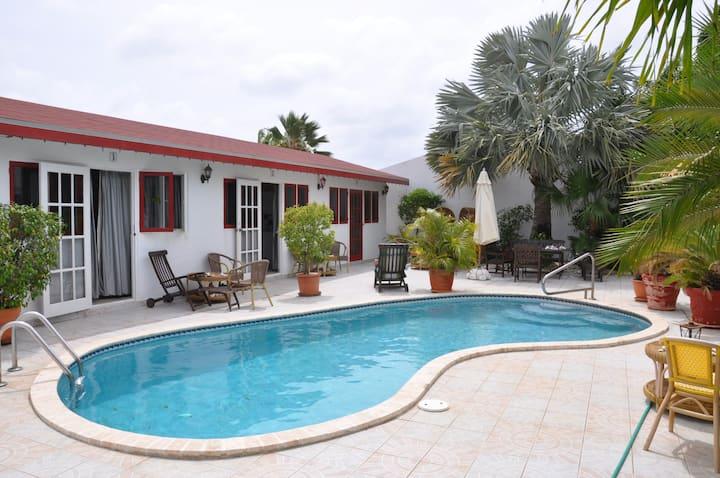 One Singel bed!  Best place & price in Oranjestad!