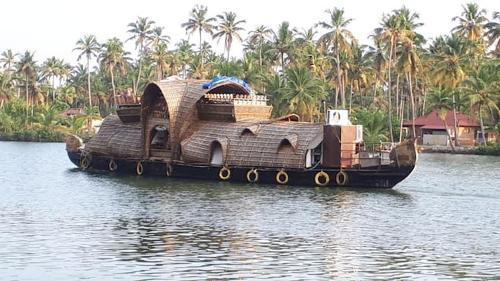 Ganga Yamuna Retreat Varkala