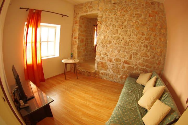 Apartment Roko Razanac