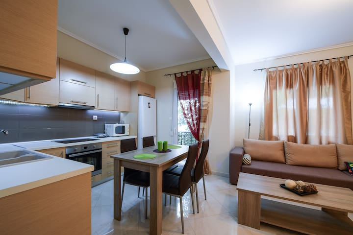 Spacious & new apt. next to city Centre - Thessaloniki - Apartment