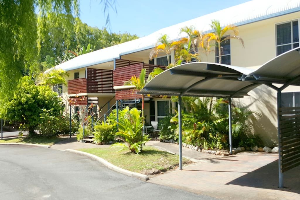 Apartments with private carport
