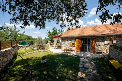 "Rural Cottage house ""Mala kuća""-Krka National Park"