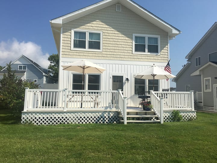 Charming Waterfront, 4 BR, 2 Bath in South Bethany