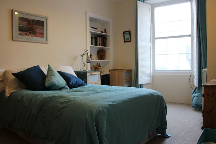 One bedroom ground floor flat in lovely Dunbar - Dunbar - Apartment