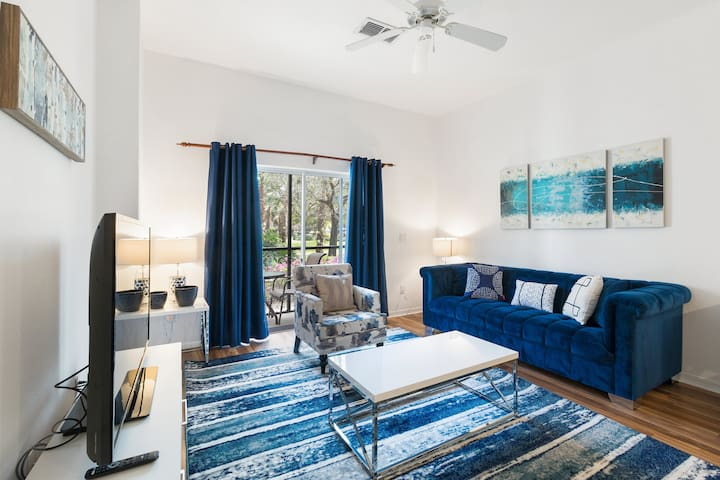 Newly Decorated Apartment in Bahama Bay