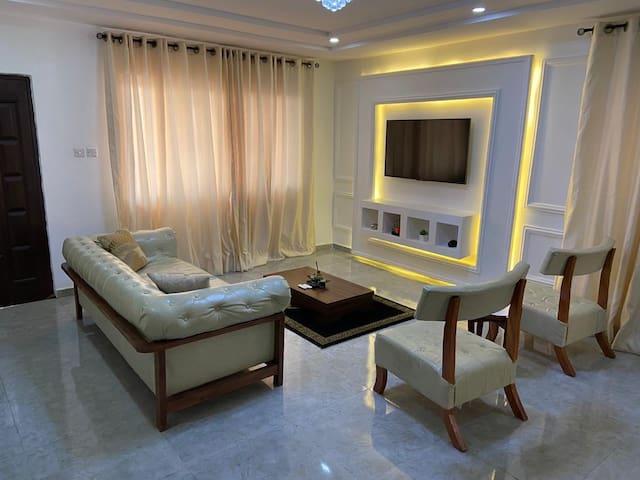 Luxurious 3 Bedroom Apartment