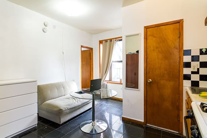Gorgeous Two Bedroom in Soho