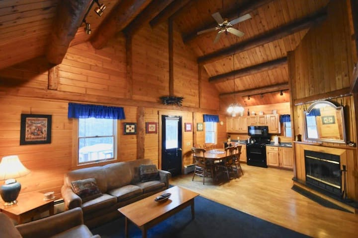 Your very own log cabin! Moosehead Cottage Resort