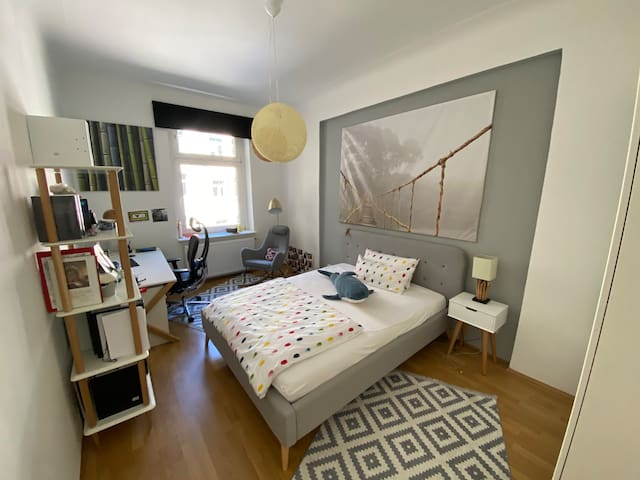 Quiet & Cozy Room, fully equiped  in Schwabing