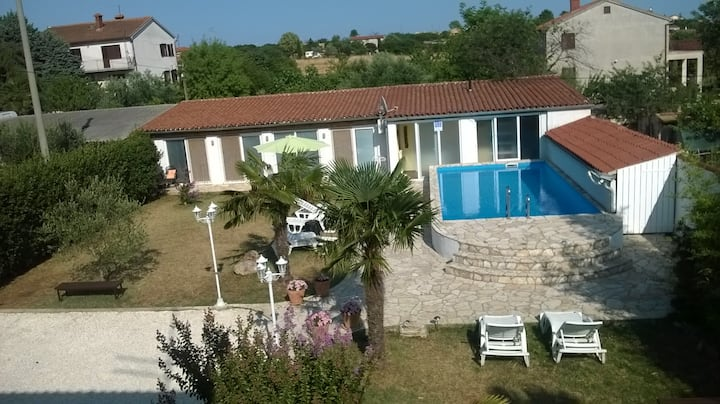 Holiday home with a Pool Pula
