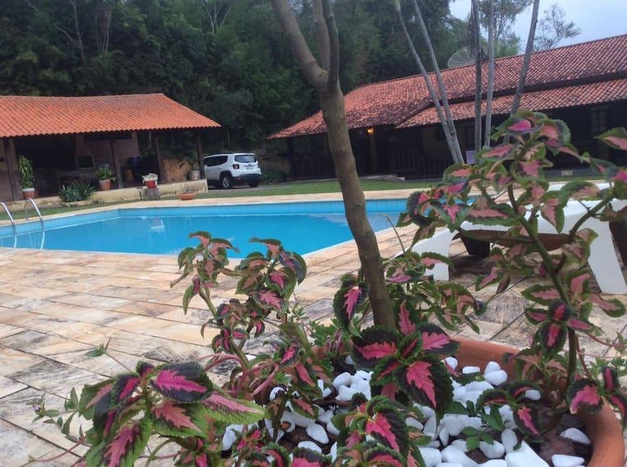 Exterior piscina e Edícula