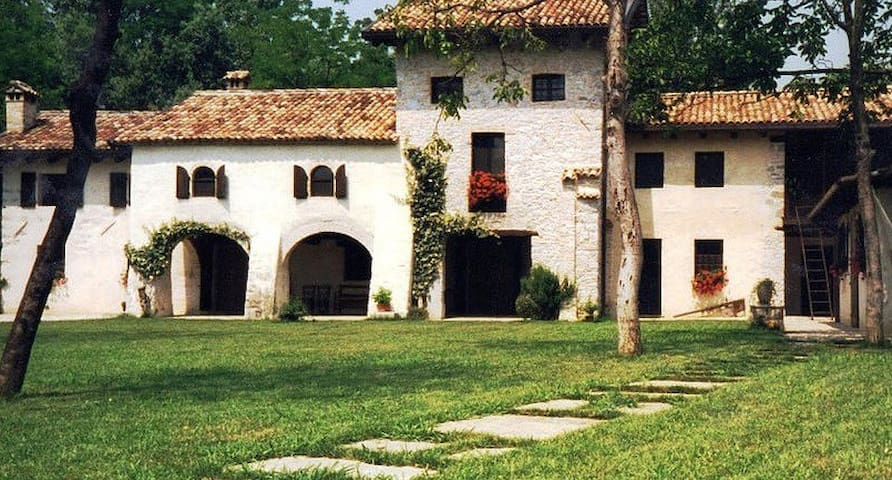 B&B Casa Medievale del Mugnaio - Novacco