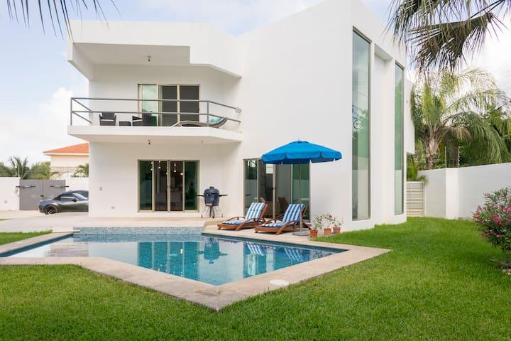 Casa Blanca Cancun