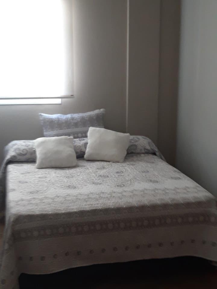 Habitacion cama matrimonio+individual 3 huéspede