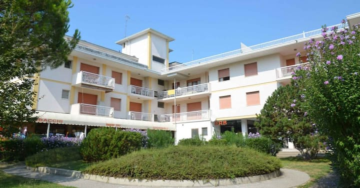 apt for 4+2 persons with a/c in Bibione R85859