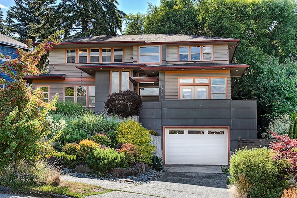 Large renovated house west seattle admiral area for New homes seattle washington area