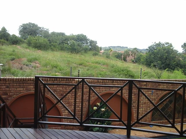 A house wih a view - Alberton - Huis