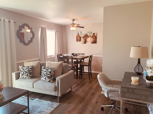 Great Value North Indy 1BD for Friendly Travelers!
