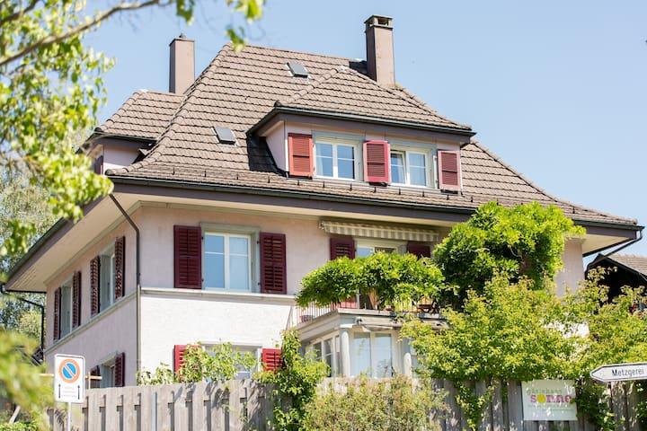 Schöne Dachwohnung im Gästehaus Sonne, Solothurn