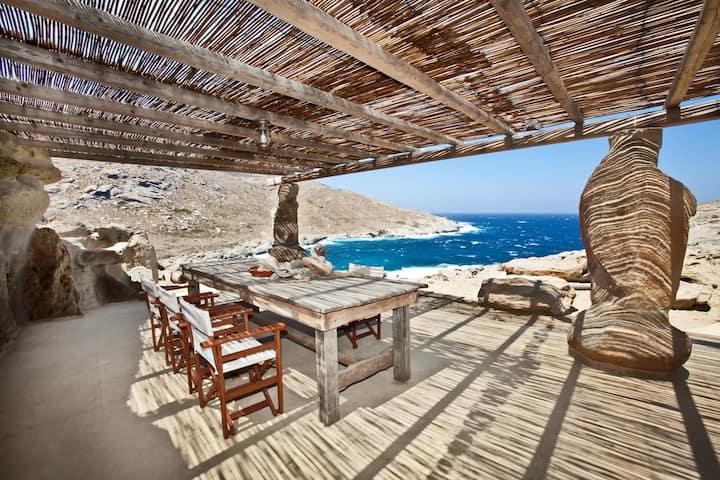 Private Beachfront Residence -AEOLIS TINOS SUITES-