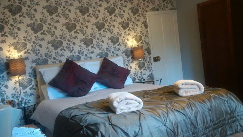 Ebble room,with private parking - Wilton - Bed & Breakfast