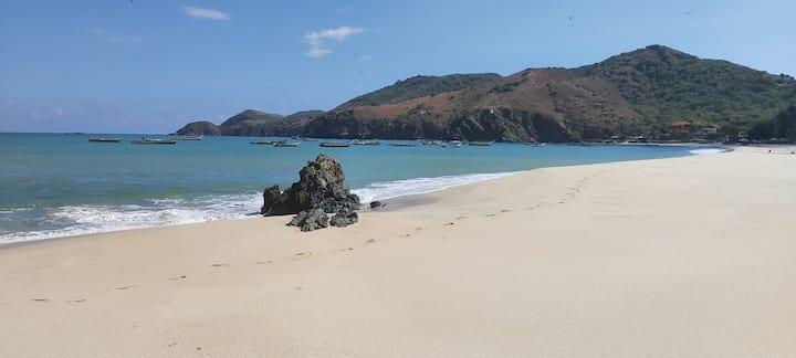 Traumstrand in der Karibik, Haus an der Playa