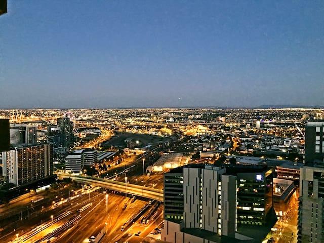 The Lusso 2 bd apt in Melbourne CBD free tram - Melbourne - Apartament