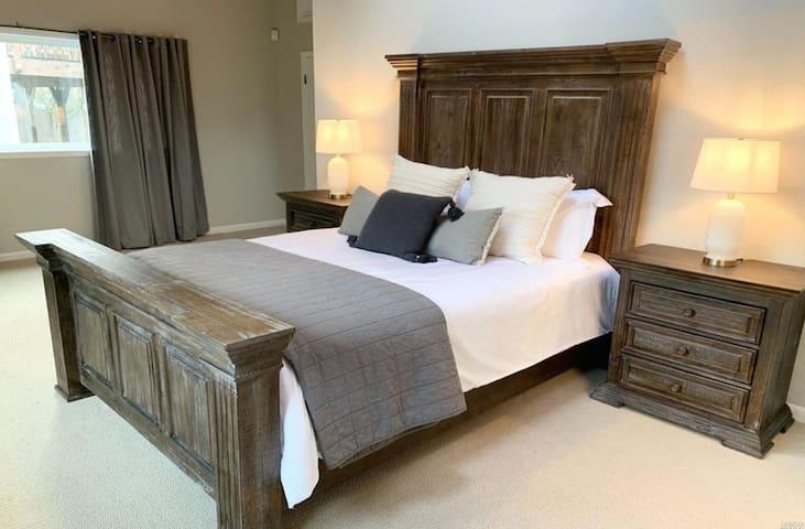xlarge master bedroom
