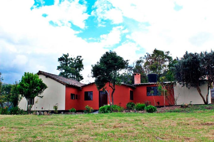 Cómoda Casa de campo con excelente ubicación