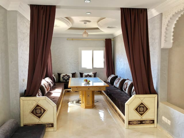 Luxury, spacious, 2 bed appartment, in the center
