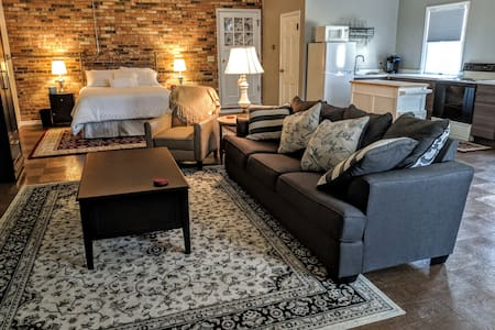 Portage Lion!  Renovated  Studio Apartment